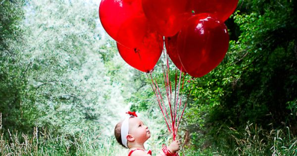 How cute! red balloons little girl photo shoot