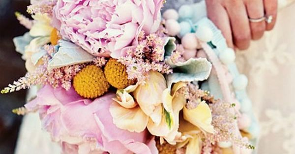 How Much Do Wedding Centerpieces Flowers Cost : Amazingly gorgeous wedding bouquets guess how much they