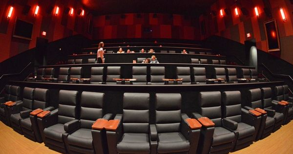 Cinetopia Overland Park 18 Living Room Theater With Leather Electric Reclinin