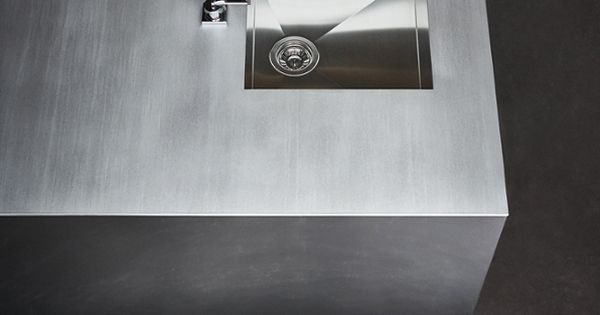 we know kitchen cabinet surfaces are key. maxima 2.2 comes in, Kuchen