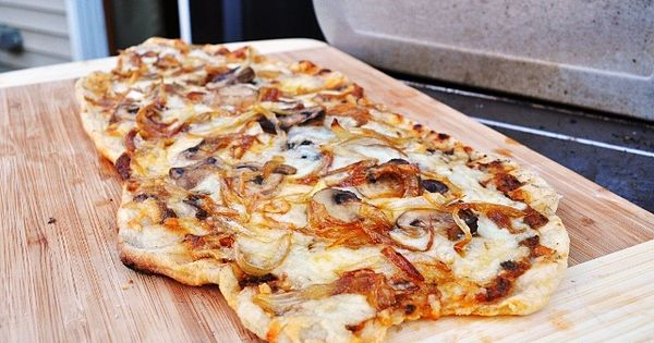 Little B Cooks: Chronicles from a Vermont foodie: Pizza on the Grill