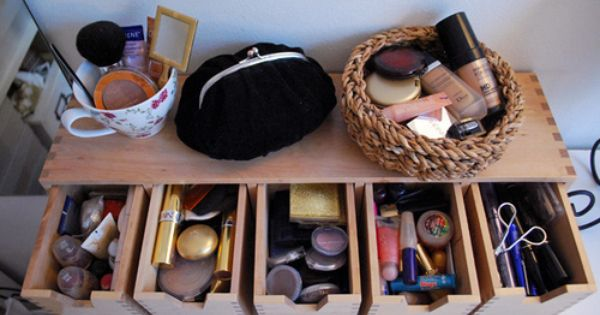 Makeup organized. Cute and functional