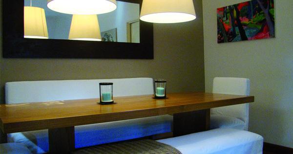 Decoraci n comedor mesa de madera en peterib natural for Mesa comedor espejo