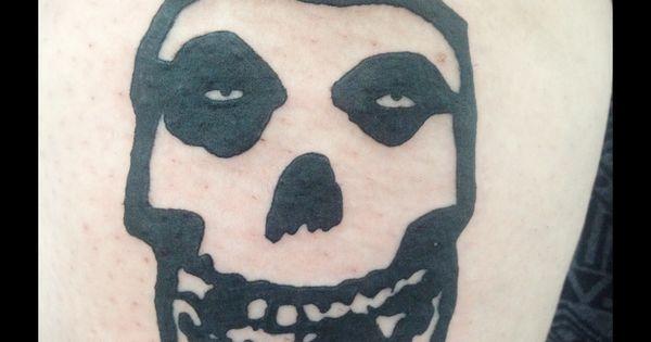 misfits logo tattoo tattoo pinterest tattoo and tattos. Black Bedroom Furniture Sets. Home Design Ideas