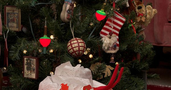 Elf On The Shelf Ideas You'll Want To Steal This Christmas 8