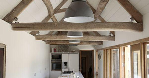 Balken gebinten keuken eetkamer keuken pinterest grijs hout lange keuken en raam - Balken grijs geschilderd ...