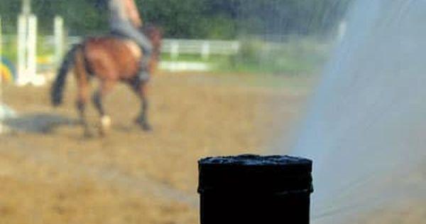 Trittsicherheit Fur Pferde Verbessern Und Staubentwicklung Vermeiden Beregnungsanlage Reiten Bewasserung