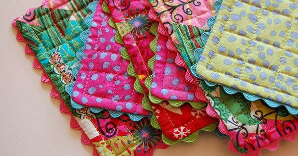 Cute quilted coasters or pot holders! Gift ideas!
