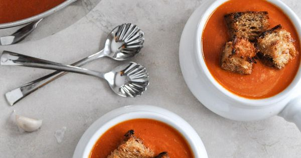 Creamy Tomato Soup with Brown Butter Garlic Croutons #winter #soup # ...