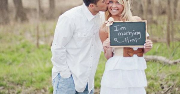 Cute engagement photo idea. Great for an Engagement Announcement. Would LOVE to
