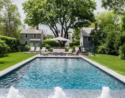 We Re Crushing On Hamptons Style Backyard Pool Designs Pool Landscape Design Swimming Pools Backyard