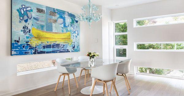 meuble salle à manger moderne, table ovale, chaises Eames et tableau ...