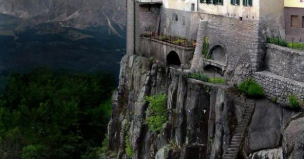 Cliffside Dwellings of Ronda Spain - one of the most beautiful places