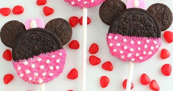 Minnie Mouse Oreo Pops or Cookies, a great treat for Valentines Making