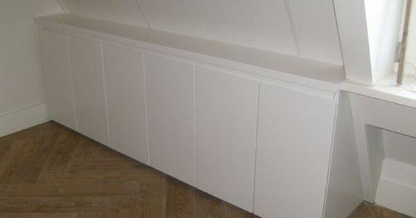 Knieschot kastje kasten onder schuin dak pinterest - Idee outs kamer bad onder het dak ...