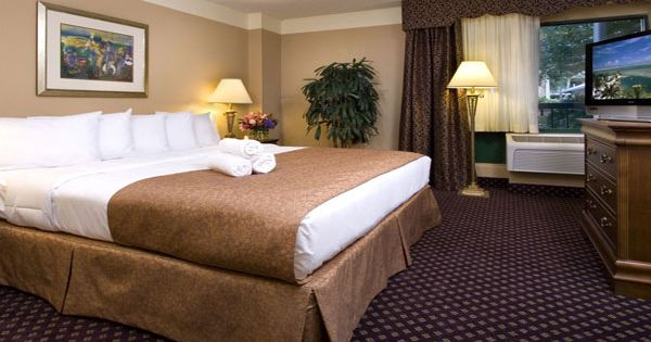 two bedroom suites family friendly hotel escape to orlando florida