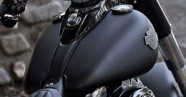 Harley-Davidson Softail Slim. Flat black.