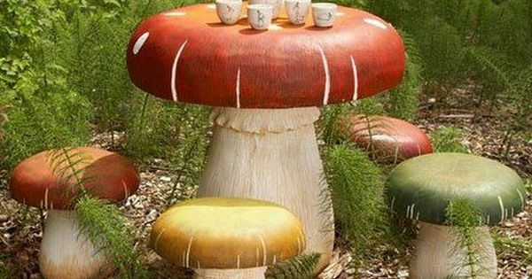 Toadstool Table Amp Chairs Set Gardens Table And Chairs