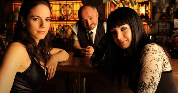 lost girl is one of my new faves on syfy  espeically love