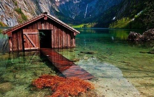 The 40 Most Breathtaking Abandoned Places In The World Beautiful Lakes And Sleep