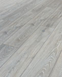 Wickes Shimla Oak Laminate Flooring Wickes Co Uk Oak Laminate Flooring Laminate Flooring Oak Laminate