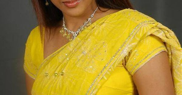 Pin By Ayesha Imran On New Arrival: Sexy Aunty In Yellow Sarie