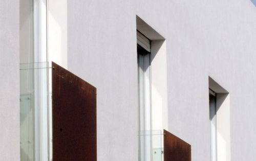 #| ARCHITECTURE | DETAILS | beautiful balcony railing detail. simple yet elegant