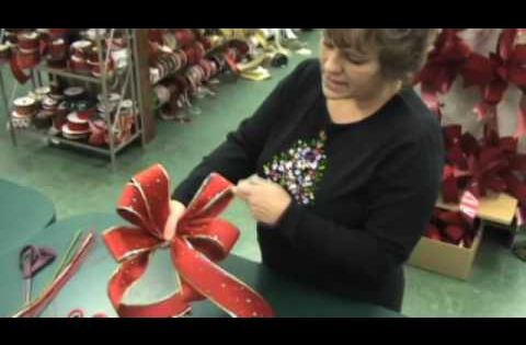 Geo Mesh Wreath Instructions | how to make a bow wreath tips