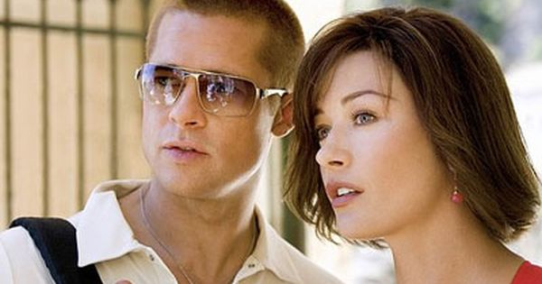 Ocean S Twelve In 2020 Catherine Zeta Jones Brad Pitt Cathrine