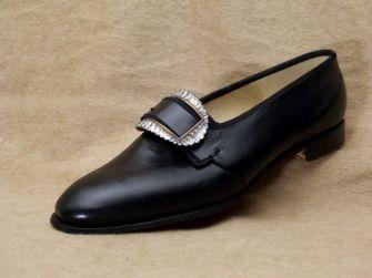 Les chaussures au XVIIIe siècle, un style, une époque