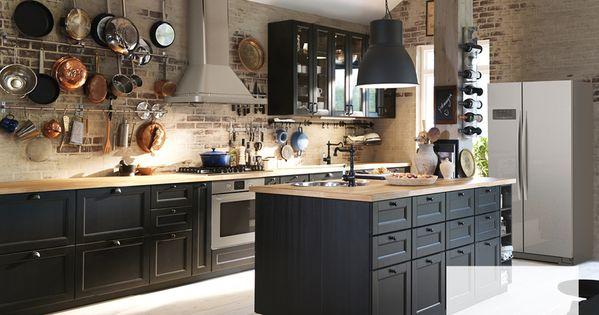 Best Traditional Dark Kitchen With Solid Wood And Black 400 x 300