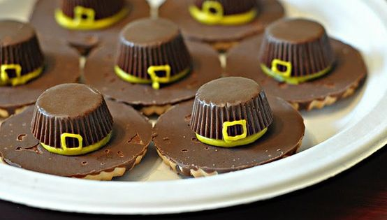 THANKSGIVING COOKIE :) Preschool Crafts for Kids*: Thanksgiving Pilgrim Hat Cookies Craft