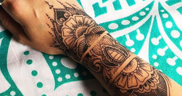 Inflicting Ink Tattoo Henna Themed Tattoos: Henna Inspired Tattoo Wrist - Google Search