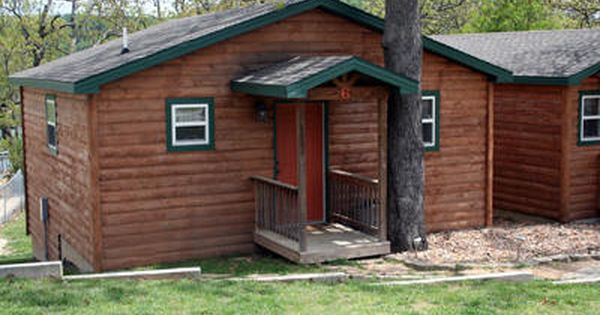 Table rock lake resorts lodging table rock lake cabins for Cabins near silver dollar city