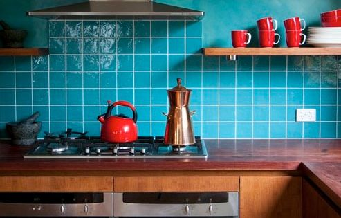 Deep bright 10 ways with red teal red kitchen decor for Teal and red kitchen