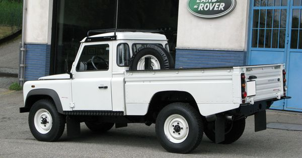 special land rover defender 110 td5 high capacity pick up. Black Bedroom Furniture Sets. Home Design Ideas