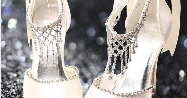 gorgeous shoes with crystals and satin bow