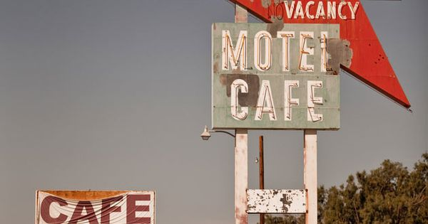 Motel Cafe Roy's: Roy's is located on Historic Route 66 in Amboy,