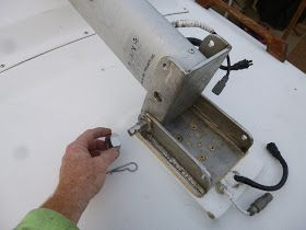 Mast Raising System All You Need Is A Hinge For The Base Of The Mast And An Attachment On The Forward Side Of The Mast For The G With Images
