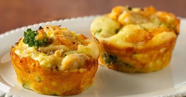 Impossibly Easy Mini Chicken and Broccoli Pies | Recipe | Pies ...