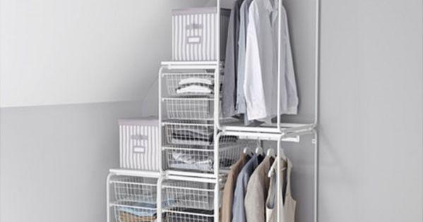 mit system lassen sich nischen und der platz unter der. Black Bedroom Furniture Sets. Home Design Ideas