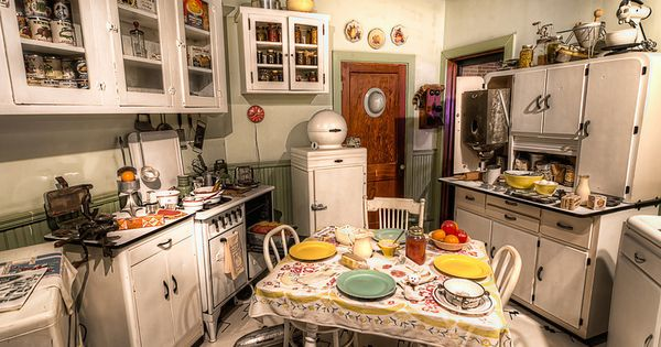 Remake of a c 1940s kitchen at the national naval for Kitchen remake ideas