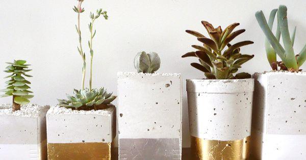 diy iiiinspired+//gold dipped pot plants