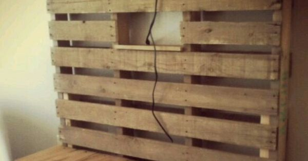 pin von tina o auf paletten pinterest palletten palettenm bel und fernsehtisch. Black Bedroom Furniture Sets. Home Design Ideas