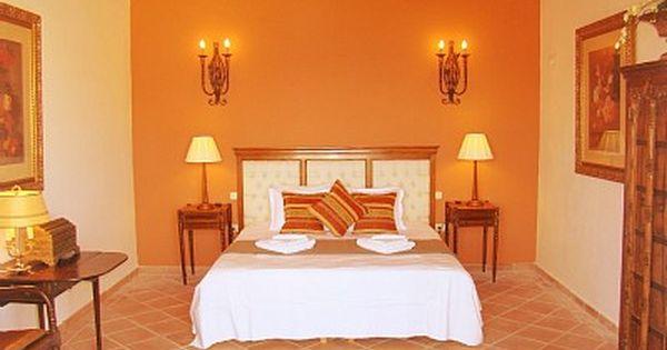Ideas para pintar una habitaci n en varios colores for Pintura de paredes interiores fotos