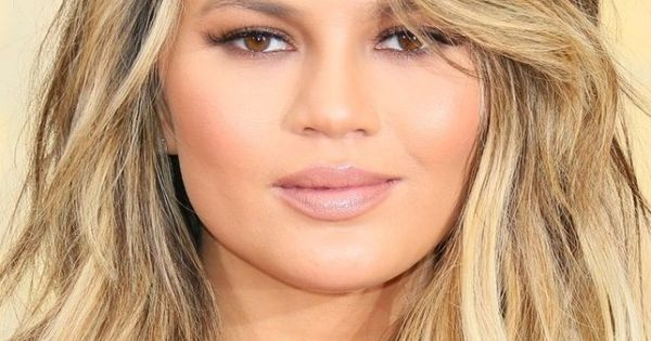 The 13 Hottest Hair Trends Of Summer Blonde Lob Beach