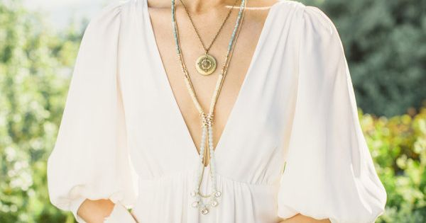 layered necklaces and a plunging neckline...so pretty! Photography by evanhuntphotoblog...