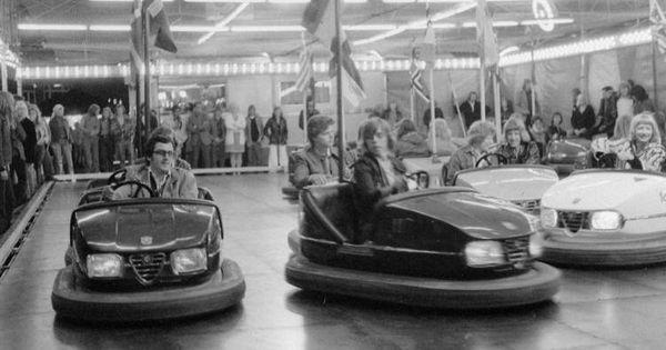 At The Fair In The Sixties Seventies And Eighties Botsauto S Op De Kermis Jeugdherinneringen Herinneringen Kindertijd