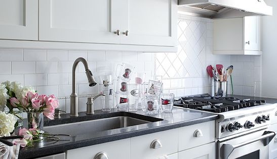 Lilly bunn interior kitchens white shaker kitchen for White kitchen cabinets with brushed nickel hardware