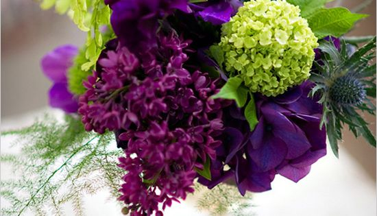 purple and green wedding Flower Arrangement| http://flowerarrangementideasjace.blogspot.com